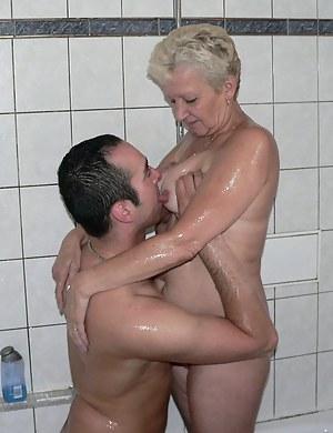 MILF Bathroom Porn Pictures