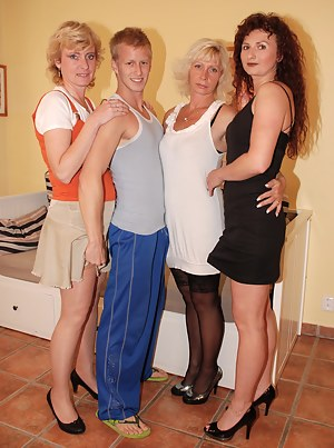 MILF Reverse Gangbang Porn Pictures